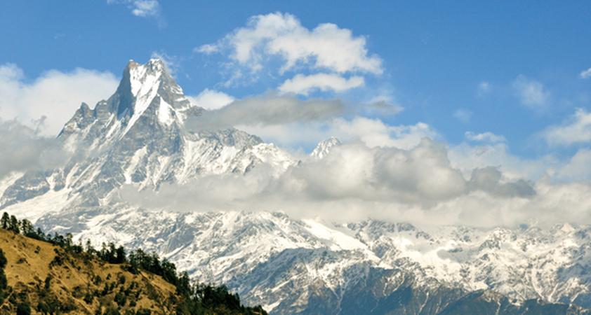 Freier Ausblick auf den Machapuchare Berg in Nepal