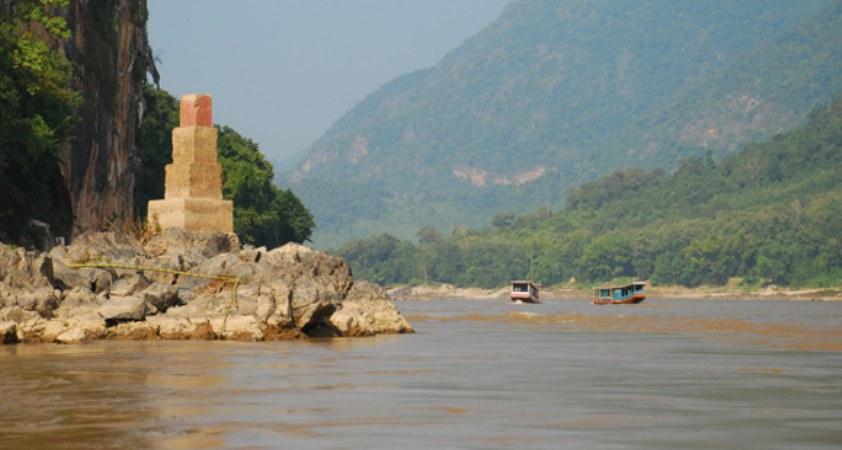 Bootsfahhrt auf dem Mekong im Norden von Laos