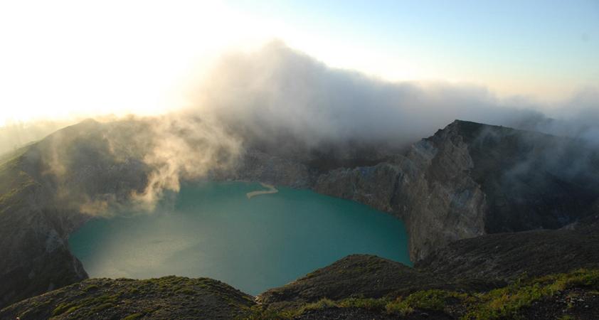 Kratersee des Gunung Kelimutu - Flores - Indonesien