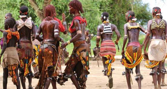 Tanzenden Einheimische bei einem Fest in Äthiopien
