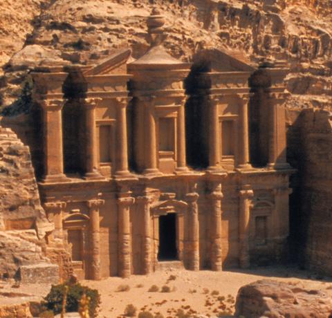 Tempel von Petra im Wadi Mujib in Jordanien