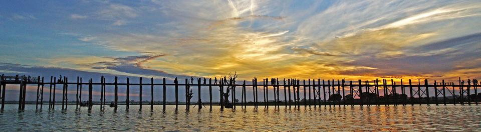 U Bein Brücke in Myanmar zum Sonnenuntergang